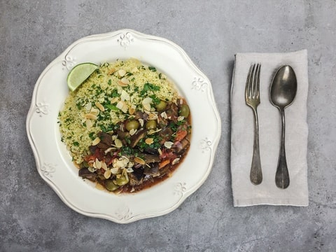 Aubergineneintopf als Beispiel für den Bereich Mittagessen Lieferservice in der Kategorie vegetarisches und veganes Mittagessen fürs Büro